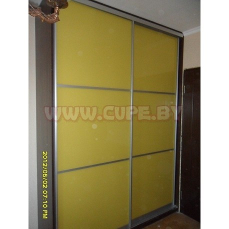 Шкаф Купе с жёлтым лакобелем