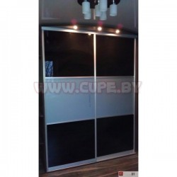 Шкаф с чёрным и белым лакобелем