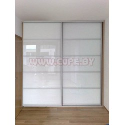 Шкаф-купе с белым стеклом (лакобелем)