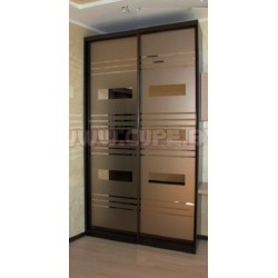 Шкафы-купе с матовым зеркалом бронза